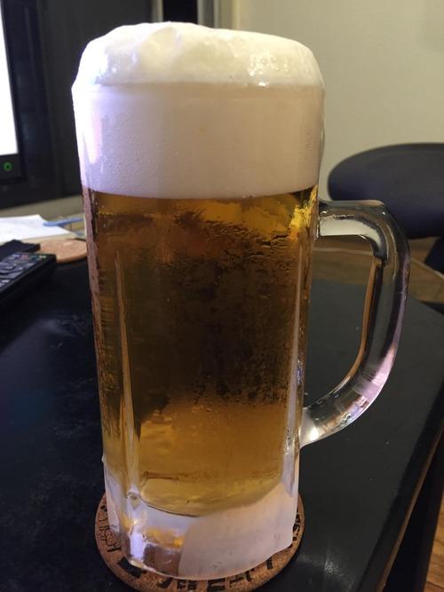ビールってどうやったら上手く注げるの?