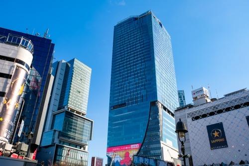 新型コロナにもかまわず渋谷・原宿で遊ぶ若者「バイトがないから」「春休みが超長くて」「免疫あるし」