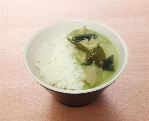 はま寿司がシャリを使った「グリーンカレー」でカレー販売中のくら寿司にケンカを売る