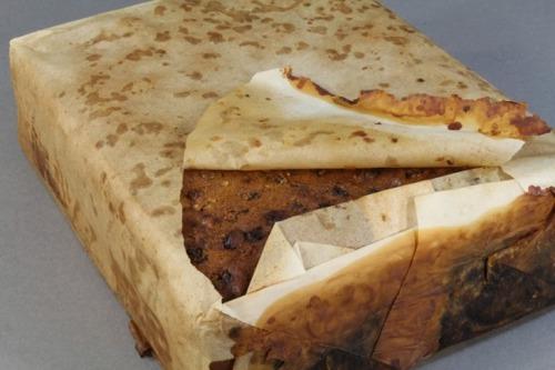 【一世紀前】100年前のケーキが南極で発見される しかも食べることの出来る状態!