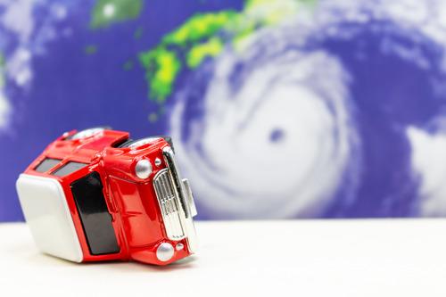 台風マジヤバイ 停電に備えて食料と手回しラジオとガスコンロと電池式スマホバッテリー買っとけ 気象庁
