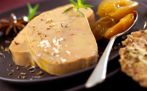 フランス、「バターもワインもフォアグラも足りない」という三重苦で苦悩