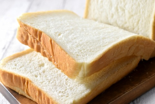 いまだに『高級食パン』とかいうボッタクリ商品を有難がってる詐欺られ民はおらんよな?