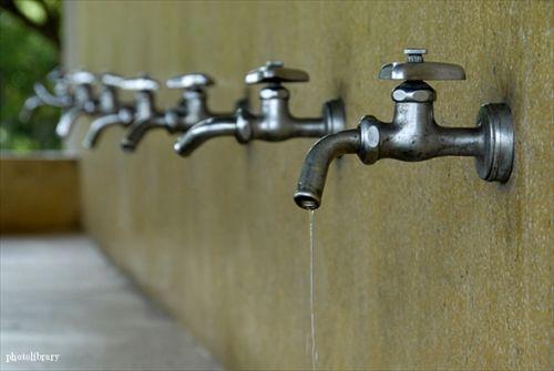 昔は水道の蛇口捻って普通に水飲んでたよな?