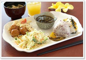 東横インのロビーで食べる朝食バイキングwwwwwwwwwwwwww