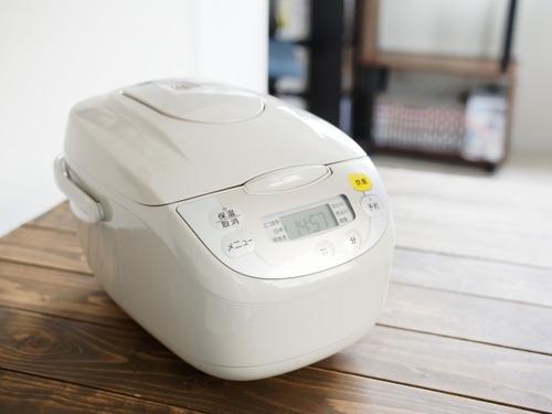 炊飯器買おうと思うんだけどIHと圧力IHはそんなに違うもんなの?