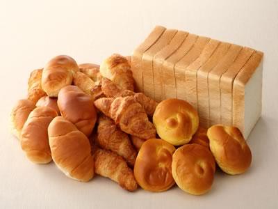 速報 若者の「パン食離れ」  逆にラーメンはよく食う