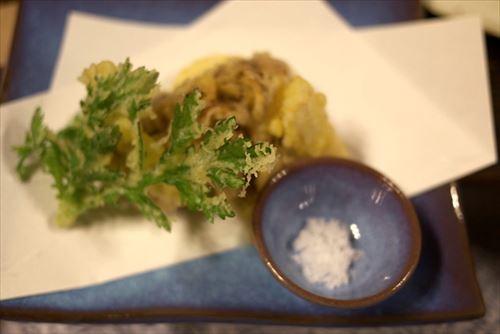 山菜とかキノコとかとって天ぷらにして屋台で売ろうと思うんだが