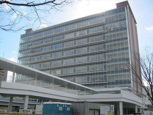 800px-東広島市役所新庁舎(2012,1,4)_R