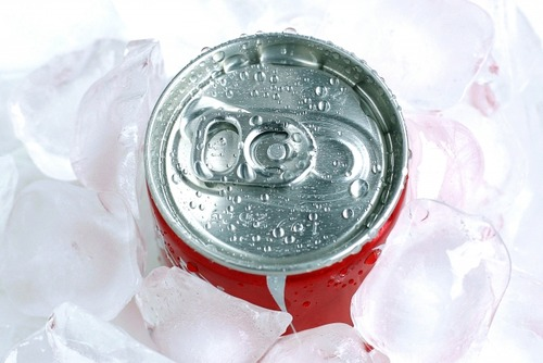 缶より瓶のコーラの方が美味しいと思うのは気のせい?