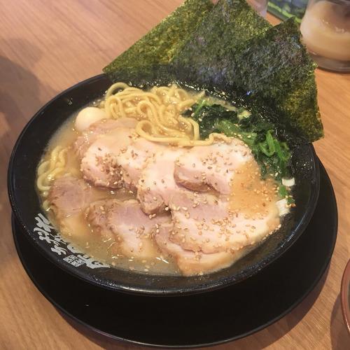 大阪の家系ラーメン、うっかり本場を超えてしまうwwwwwwwwwwww