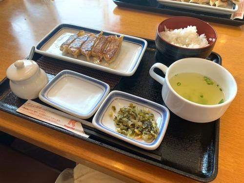 リンガーハットの餃子定食(370円)が神コスパと話題に
