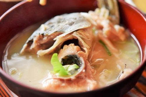 ドブ川の鯉って美味いんかな?美味いなら食いたいんだが