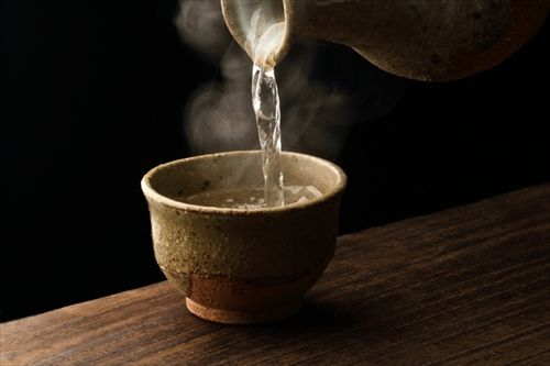 日本酒を熱燗で・・・ 冬の夜の日本酒の魅力