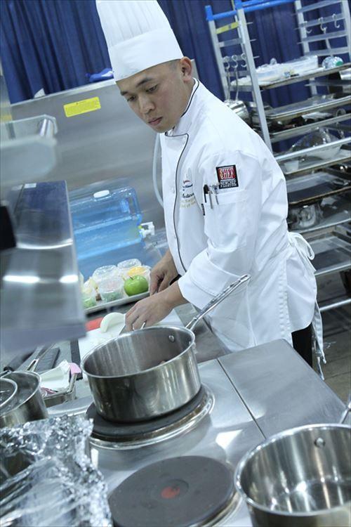 【疑問】なぜ一流料理人は女が少ないんや?子供の頃から料理を学んでいる確率は女が高いはずなのに