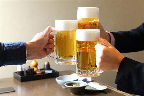飲み会幹事「1人3300円ね」←ほんとは3240円