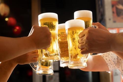 医者「まずはお酒の量を1日500mlまで減らしましょうね」ワイガイジ「アルコールの量が500mlですか?」