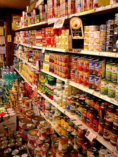 450px-Import_canned_foods_in_Kobe_R