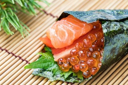 サーモンって寿司で一番うまいのに日本の寿司ヲタから軽く見られがちだよな イクラは認められてる感じなのに