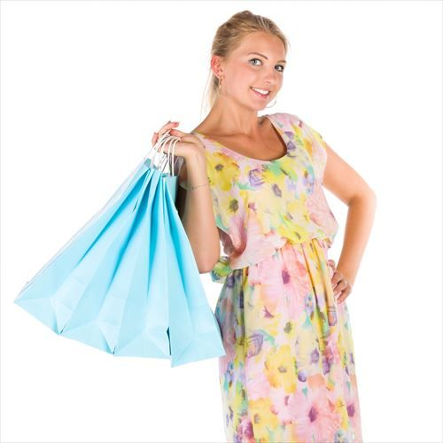 woman-with-shopping-bags-1541165600iAB_R