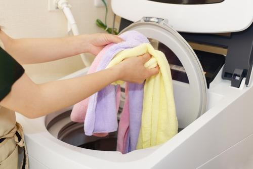 【悲報】隣人さん、夜中の23時に洗濯機を回し始める