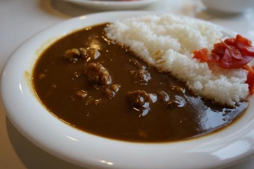 「餃子にラー油」「カレーに福神漬け」「寿司にガリ」←こいつら