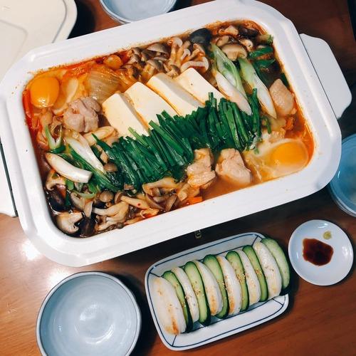 【飯テロ】キムチ鍋作ったから評価してや