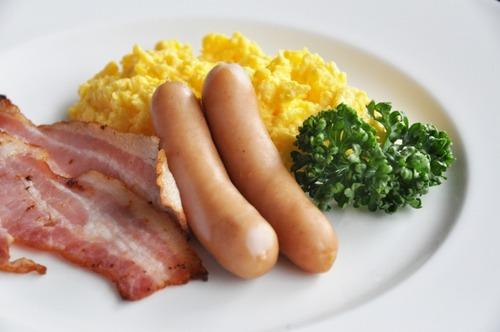 三大自炊して気がついたこと「ベーコンは高級品」「野菜は高級品」