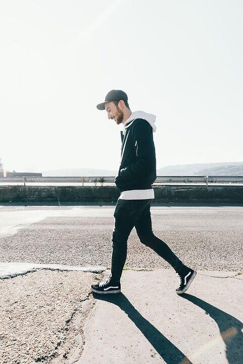 1時間歩いて消費カロリー180kcal程度wwwww 痩せてるやつ何者だよwwwwwwww
