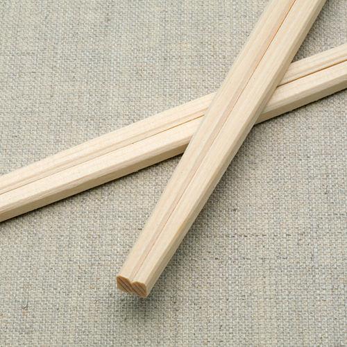 割り箸が有ると、割り箸こすってる人ってなんか割り箸変化するの?