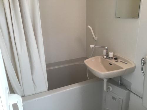 「風呂トイレ一緒」の物件に住もうとしてるやつ、ちょっとこい