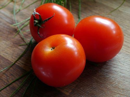 tomato-498721_640_R