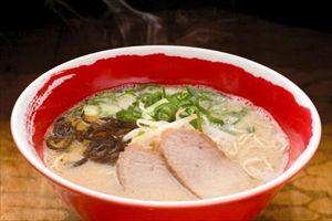 福岡ではラーメンは『カタめん』が好まれるが、うどんは「ヤワめん」が好まれる。何故だろうか?