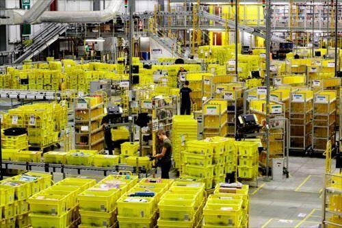アマゾン倉庫で働いてるけど質問ある?