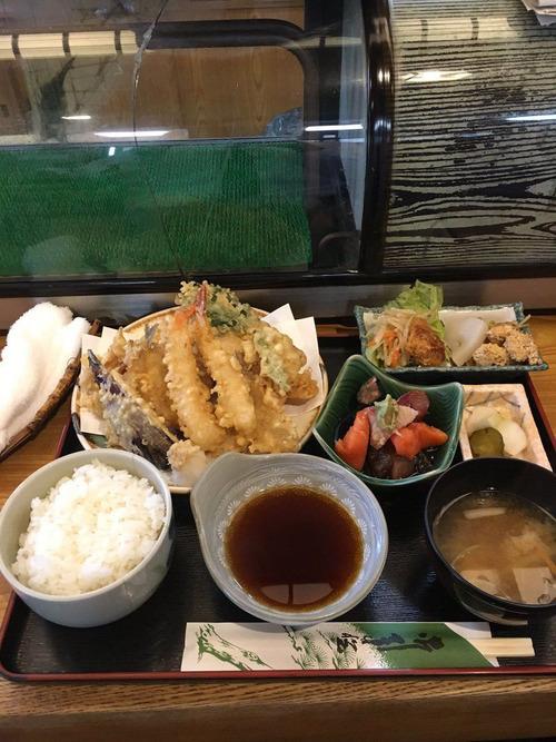 【画像】この天ぷら定食が税込790円