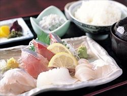 魚を食べない名古屋人…県「美容に効果あり」と名古屋嬢にアピール