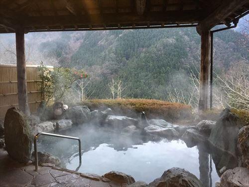 温泉旅行サイコー!出かけるぞ~!(移動片道2時間、入浴時間15分)←これおかしくない?