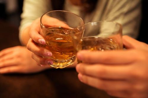 イメージダウン!?飲みの席で男性がオーダーしていると引くお酒の種類