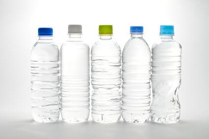 就活中の女子大生「ペットボトル1日に5本は飲んでる」 飲み過ぎだろ