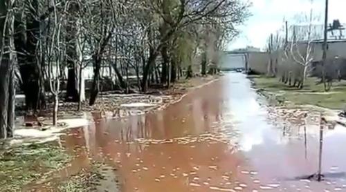 ジュース28000000リットルが溢れ出し街がジュースで大洪水 ペプシ工場倒壊