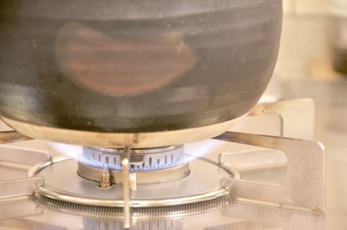 数百円の土鍋で炊いたごはん>>>10万円超えの高級炊飯器で炊いたごはん という現実