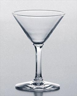 「人の足の指」入りカクテル、飲み干した客に罰金