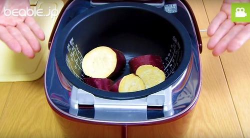 究極の貧乏ズボラ飯! 炊飯器でつくる「焼かない焼き芋」が激ウマらしい【動画】