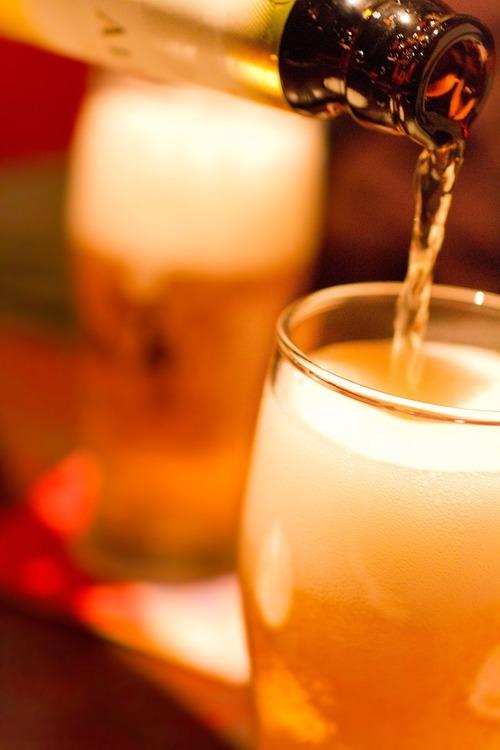 女の子と二人で飲みに行って会計が1万超えるのって普通?