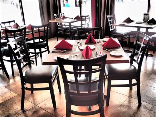 restaurant-402036_960_720_R