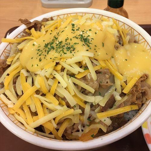 チーズ牛丼って言うほど陰キャの食い物か?陽キャは何牛丼食ってんの?
