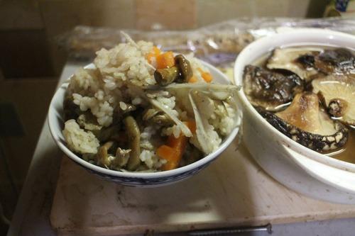 先日の炊き込みご飯の反省を含め、再びチャレンジした。どや?