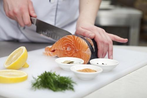 いきなりステーキの魚版で大儲けしたい 鯖200gとか鮭ハラス150gみたいな注文の仕方