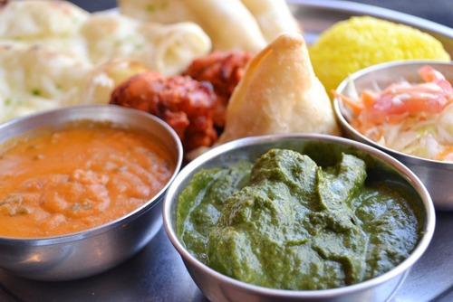 カレー屋のインド人「この前、学生さんがね、ナンを8枚も食べた...」ワイ(食べすぎやろ…)