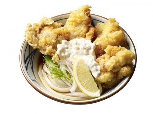 タルタルソース好き歓喜! 丸亀製麺がどっぷりとタルタルかかった鶏天うどんを発売
